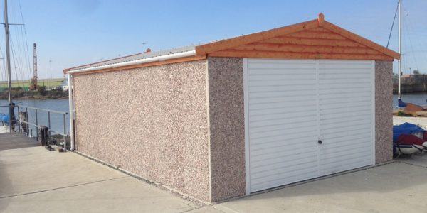 Apex double timber facia garage